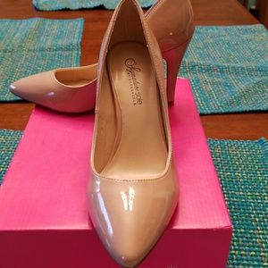 Shoedazzle nude heels